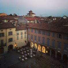 I call this a room with a view and a half! #Blogville #InLombardia hôtel Impero #Cremona - Instagram by moimessouliers