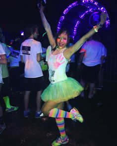 what to wear for blacklight party