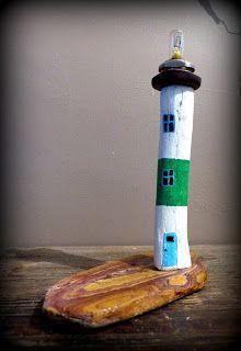 Phare en bois flotté, driftwood lighthouse