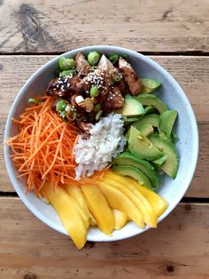 Poke Bowl, Ceviche, Healthy Diners, Hawaiian Dishes, Best Fast Food, Sushi Bowl, Happy Foods, Asian Cooking, Special Recipes