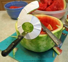 maybe I can do this and make an anchor instead. Capital B: Simple Watermelon Bowl Carving Watermelon Carving Easy, Watermelon Fruit Bowls, Watermelon Hacks, Watermelon Basket, Watermelon Designs, Fruits Decoration, Watermelon Birthday Parties, Food Carving, Fruit Displays