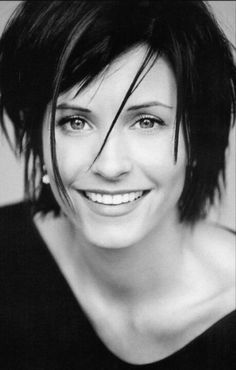 Courteney Cox short 90s Hair