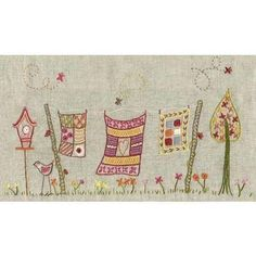 embroidery, quilts on a clothesline wall hanging Embroidery Art, Embroidery Applique, Cross Stitch Embroidery, Embroidery Patterns, Quilt Patterns, Quilting, Fabric Journals, Bunt, Needlework