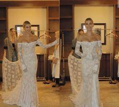 Simple Wedding Gowns, Gorgeous Wedding Dress, Dream Wedding Dresses, Designer Wedding Dresses, Beautiful Gowns, Elegant Wedding, Wedding Bride, Hailey Bieber Wedding, Vogue