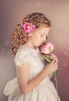 Fotografia de comunion Precious Children, Poses, First Communion, Special Occasion, Flower Girl Dresses, Wedding Dresses, Kids, Inspiration, Passion