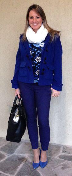 Look do dia - look de trabalho - moda corporativa - look de inverno - winter outfit - fall - calça azul - casaco azul - calça alfaiataria - cobalt - bic - royal