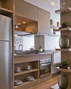 Boa Noite , com essa linda cozinha #architecture #cozinhaintegrada #tonsclaros #geladeira#integracion #iluminação #detalhes#projeto#ideias#inspiration #interior #design