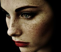 Frederico Erra is a master of hauntingly beautiful close ups. He loves the eyes and freckles.