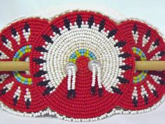 RARE stunning Native American Beaded Hair Barrette /seed beads on leather Native Beadwork, Native American Beadwork, Bead Loom Patterns, Beading Patterns, Beading Ideas, Holi, American Girl, Indian Quilt, Beadwork Designs