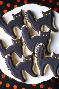 black cat sugar cookies by annieseats, via Flickr