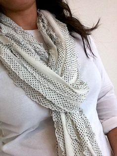 ruffle fabric scarf - 10 minutes!