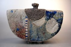pottery ideas to make for beginners Raku Pottery, Pottery Handbuilding, Slab Pottery, Pottery Art, Pottery Ideas, Ceramic Boxes, Ceramic Jars, Ceramic Clay, Ceramic Painting
