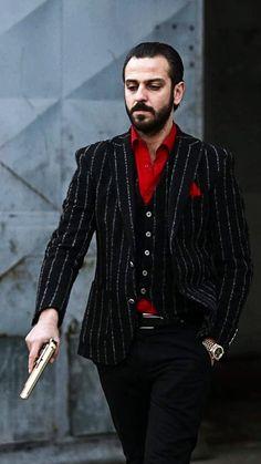 Turkish Men, Turkish Beauty, Turkish Actors, Tom Hardy Bane, Iphone Wallpaper Images, Night Portrait, Tv Series To Watch, Instagram Pose, Cartoon Pics