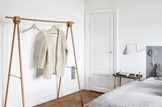 I'm in love with this beautiful cottage house with the old wooden floors, high ceilings and those beautiful doors. The kitchen looks super cozy and light and the living room has this mysterious look with the grey walls and the … Continue reading → Minimalist Interior, Minimalist Bedroom, Country Stil, Sweden House, Sweet Home, Villa, Interior Minimalista, Country Style Homes, Scandinavian Home