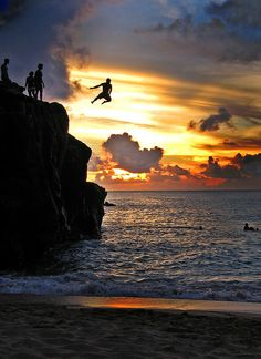 North Shore Oahu Cliff Dive: I've done this...would LOVE to be there right now rather than sweating it out here in NYC