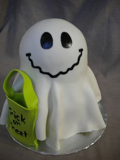 Trick or Treat Ghost Cake