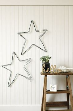 DIY Star : DIY wire star wall art For the Love ofâ Wire Hanger Crafts, Wire Hangers, Wire Crafts, Diy Wall Art, Diy Wall Decor, Room Decor, Outer Space Crafts, Star Diy, Stars Craft