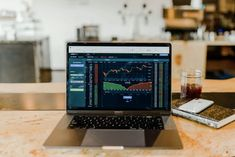 Are you wondering how to invest in stocks for beginners with little money? Find out how to invest in the stock market even as a beginner. Bank Of America, Blockchain, Stocks To Watch, Assurance Vie, Finance, Investment Portfolio, Investment Advice, Investment Companies, Investing In Stocks