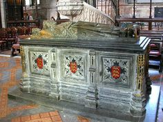 Worcester Cathedral Tomb and effigy of King John, son of Henry II and Eleanor of Aquitaine, and brother of King Richard I.
