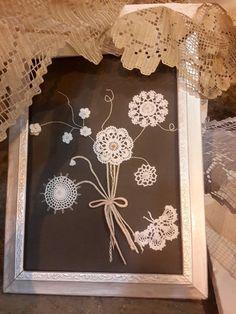 46 Ideas diy art decor vintage frames for 2019 Framed Doilies, Lace Doilies, Crochet Doilies, Crochet Crafts, Sewing Crafts, Vintage Collage, Doily Art, Lace Art, Crochet Wall Art