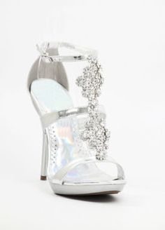 The latest tips and news on prom-shoes are on My Fabulous Red Carpet Looks. On My Fabulous Red Carpet Looks you will find everything you need on prom-shoes. Silver Bridesmaid Shoes, Silver Bridal Shoes, Silver Dress Shoes, Wedding Shoes, Pageant Shoes, Homecoming Shoes, Pretty Shoes, Cute Shoes, Me Too Shoes