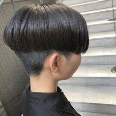 ayaka✂︎ ethicaスタイリストさんはInstagramを利用しています:「guest snap...♡﹆ スッキリモードなショート . タイプすぎる雰囲気❤︎ 可愛いすぎた❤️…」 Really Short Hair, Short Hair Cuts, Short Hair Styles, Bowl Haircuts, Very Short Haircuts, Bowl Cut, Page Boy, Grey Hair, Asian Style