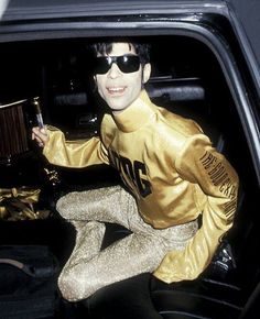 Prince • 1995 'The Gold Experience' Era - Backstage at the American Music Awards.