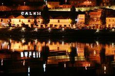 Portogaia! ... Sentido! ... // Rio Douro, na zona ribeirinha de Vila Nova de Gaia. 2008 junho // Fto Olh 01 067 relexo(s) 20080827 2130 my specular space