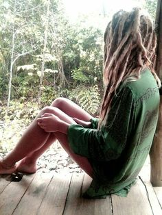 all the rad girls with dreads :) hope it inspires. Feel free to submit via the menu :) Hippie Dreads, Dreadlocks Girl, Blonde Dreads, Hippie Hair, Dreadlock Hairstyles, Messy Hairstyles, Black Hairstyles, Wedding Hairstyles, Tattoo Und Piercing