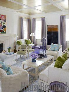 Wallpapered ceiling. Design: Pat Healing. Photo: Maura McEvoy. housebeautiful.com. #wallpapered_ceiling #wallpaper #metallic_wallpaper #living_room