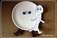 Hey Diddle, Diddle Nursery Rhyme Craft - think it would be cute with a plastic spoon.