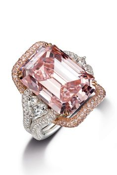 Ring by Chow Tai Fook Pink diamond and rose gold