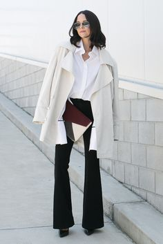 spring / summer, fall / winter, spring fashion, fall fashion, street style, street chic style, fall outfits, spring outfits, casual outfits, work outfits, office wear - white light coat + white shirt + black flare pants + black pointy toe heels + color-block clutch + aviator sunglasses