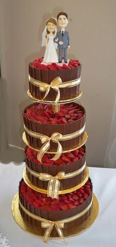 dark chocolate wedding cakes with strawberies   Elisabeth's Wedding Cakes