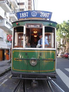 Buenos Aires, tranvía turístico. Argentina Central America, South America, Places Around The World, Around The Worlds, Tramway, Les Continents, Bonde, Transformers, Light Rail