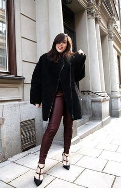 Sania Claus Demina / burgundy + black //  #Fashion, #FashionBlog, #FashionBlogger, #Ootd, #OutfitOfTheDay, #Style