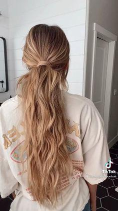 Medium Hair Ponytail, Long Hair Ponytail Styles, Wavy Hair, Medium Hair Styles, Long Ponytail Hairstyles, Long Hair Styles, Work Hairstyles, Hair Extension Hairstyles, Pretty Hairstyles