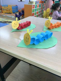 worm crafts for toddlers * worm craft ; worm crafts for kids ; worm crafts for toddlers ; worm crafts for preschoolers ; worm crafts for preschool ; worm crafts for kids art projects Worm Crafts, Daycare Crafts, Paper Crafts For Kids, Toddler Crafts, Projects For Kids, Diy For Kids, Art Projects, Diy Crafts Videos, Diy And Crafts