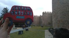 El bibliobús de Paco Tábara en las murallas de Avila, próxima sede el #8CNBM Vehicles, January 28, Fotografia, Car, Vehicle, Tools