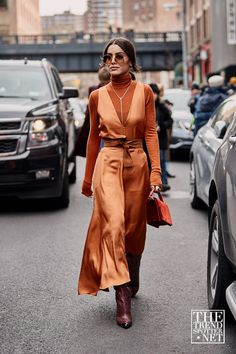 Attendees at New York Fashion Week Fall 2019 - Street FashionYou can find New york fashion and more on our website.Attendees at New York Fashion Week Fall 2019 - Street Fashion New York Street Style, Looks Street Style, Fall Street Styles, Dublin Street Style, Copenhagen Street Style, Modern Street Style, Stockholm Street Style, Fashion Mode, Look Fashion