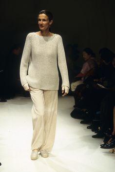 Hermès Spring 2000 Ready-to-Wear Fashion Show Fashion Gone Rouge, 90s Fashion, High Fashion, Fashion Show, Fashion Design, Estilo Hailey Baldwin, Hermes, Cute Girl Outfits, Black Outfits