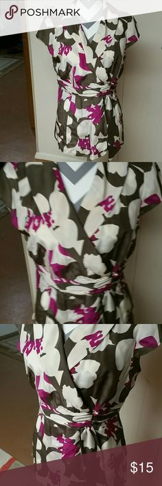 Banana Republic top 100% silk top. Pink, brown and beige colors go together so well. Open to reasonable offers Banana Republic Tops