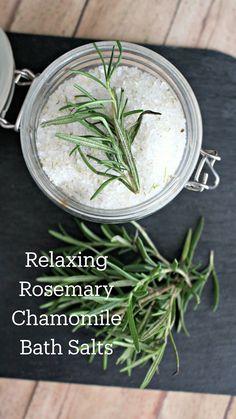 Bath Recipes, Soap Recipes, Dandelion Recipes, Bath Salts Recipe, Do It Yourself Jewelry, How To Dry Rosemary, Healing Herbs, Homemade Beauty, Diy Beauty
