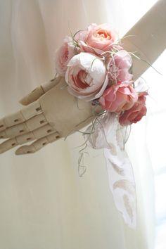 生花のリストレット セピアピンク : 一会 ウエディングの花