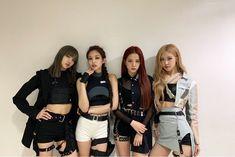 Black Pink Yes Please – BlackPink, the greatest Kpop girl group ever! Kim Jennie, Kpop Girl Groups, Kpop Girls, Black Pink Kpop, Blackpink Photos, Blackpink Fashion, Halloween Kostüm, Girl Bands, Blackpink Jisoo