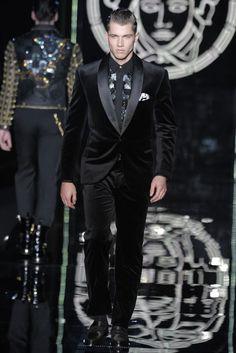 1-Button Perfection (Black Ultra Velvet Suit)
