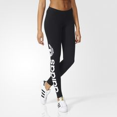 These women's leggings feature stretchy jersey fabric for added lift and a body-hugging fit. A wide waistband gives greater comfort and an adidas linear logo adds visual style.