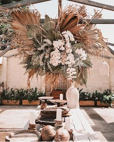 Wedding leaves - In awe of this magical reception setup and these gorgeous dried palm leaves ✨🌾⠀ ⠀ Photography jamie green ⠀ Styling store eventstories ⠀ Florals st Boho Wedding, Floral Wedding, Wedding Flowers, Dream Wedding, Palm Wedding, Wedding Reception, Deco Floral, Arte Floral, Rever Mariage