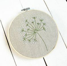 Ribbon Embroidery Flowers by Hand - Embroidery Patterns Hand Embroidery Tutorial, Paper Embroidery, Embroidery Transfers, Embroidery Hoop Art, Hand Embroidery Patterns, Vintage Embroidery, Cross Stitch Embroidery, Embroidery Designs, Flower Embroidery