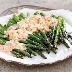 Asparagus With Crawfish Hollandaise - Louisiana Cookin Crawfish Recipes, Cajun Recipes, Seafood Recipes, Cooking Recipes, Haitian Recipes, Donut Recipes, Creole Cooking, Cajun Cooking, Louisiana Recipes